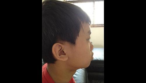 Teacher cuts pupil's hair, mum files police report